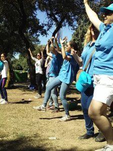 Jornadas Voluntariado LaCaixa. Casi 400 niños y 50 voluntarios participaron en la sexta edición del Día del Voluntario de La Caixa. El evento estuvo tematizado a través de los superhérores, ensalzando el papel tan importante y a la vez tan anónimo de los voluntarios, que entregan su tiempo y su dedicación a ayudar a los que más lo necesitan y todo, de manera altruista. En este emotivo homenaje a la figura del voluntario hubo sobre todo música y color, con talleres creativos y actuaciones musicales.