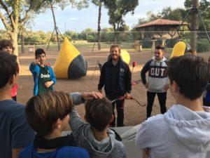 Actividades con Colegios. Por cuarto año consecutivo hemos celebrado el día de convivencia del I.E.S. Néstor Almendros con actividades al aire libre como el Futbolín Gigante, el Taller de Circo, un Raid de Orientación, el 'Archery Tag' y nuestro Circuito de Karts. Una jornada que tiene como objetivo crear vínculos entre sus estudiantes de 1 de E.S.O. ante el periodo escolar que les queda por delante...Actividades con Colegios. Por cuarto año consecutivo hemos celebrado el día de convivencia del I.E.S. Néstor Almendros con actividades al aire libre como el Futbolín Gigante, el Taller de Circo, un Raid de Orientación, el 'Archery Tag' y nuestro Circuito de Karts. Una jornada que tiene como objetivo crear vínculos entre sus estudiantes de 1 de E.S.O. ante el periodo escolar que les queda por delante...