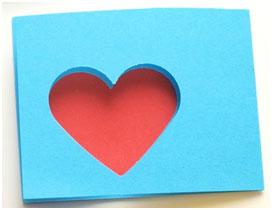 San Valentín Actividades. Pese a ser una fecha que se asocia más al amor en pareja, el 14 de febrero puede ser una fecha a disfrutar también en familia, para ello, desde Aula de Ocio les proponemos algunas actividades como manualidades, repostería y juegos para disfrutar en esta fecha tan señalada en la compañía de los más pequeños de la casa.