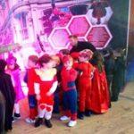 Actividades Infantiles Navidad. Hasta el 7 de enero permanece abierta la Zona Kids, un área de actividades infantiles en el Muelle de Las Delicias para todas las edades con circuitos de karts, rocódromo, ludotecas con talleres creativos, bolas gigantes, actividades tecnológicas con simulación de superhéroes, castillos hinchables... un derroche de diversión sin perder de vista a los padres, para quienes también hay preparadas varias sorpresas.